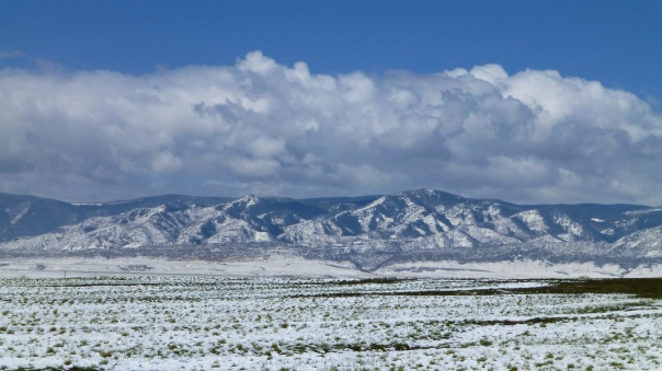 Picture of Colorado front Range mountains after a snowfall